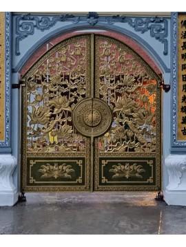 Cổng nhôm đúc chùa mẫu hoa sen
