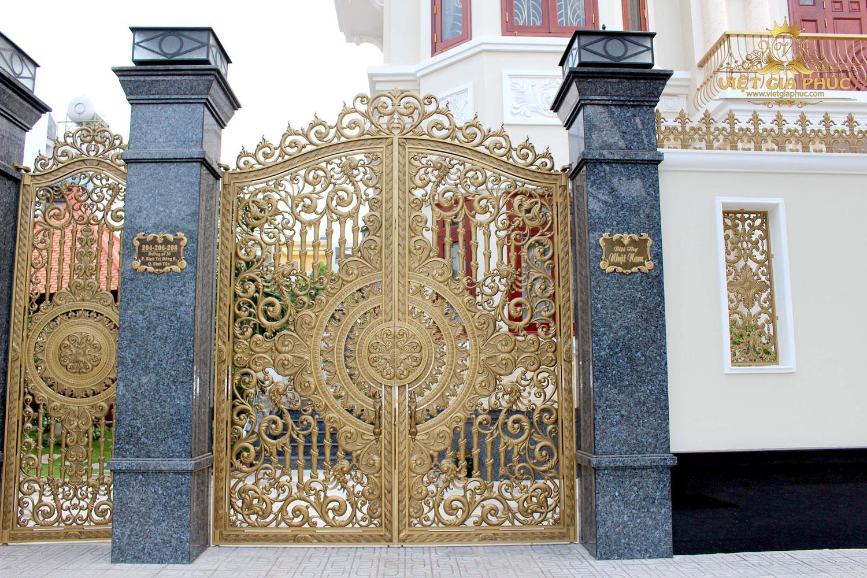Cổng nhôm đúc chín rồng